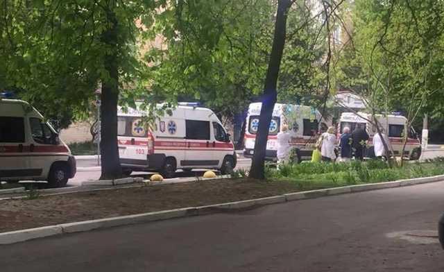 В госпиталь доставили раненых бойцов, есть с ампутацией: нужна помощь