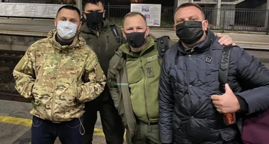 Українці – про вояж «слуг» на Донбас: сьомий рік війни, а очі відкрилися перед виборами