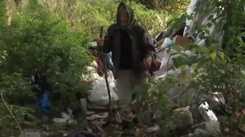 83-Річна Бабуся Живе У Лісі, Бо З Власної Хати Її Вигнали Квартиранти (ВІДЕО)