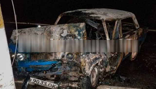 Жуткое ДТП в Запорожской области: водитель не смог выбраться из пылающей машины