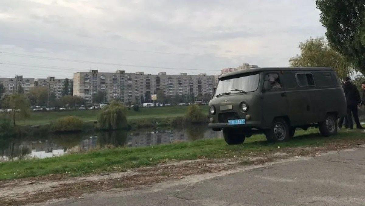 Задушили сумкою: У Києві знайдено понівечене тіло жінки без волосся