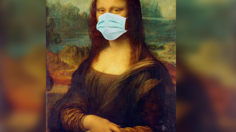 Медик уточнила вероятность заражения COVID-19 в маске