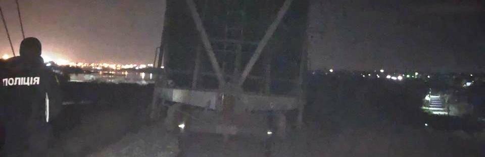 Под Одессой мужчина лег на железнодорожные пути