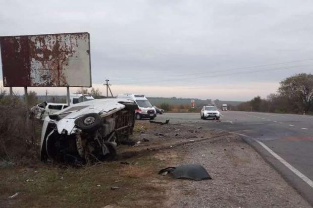 Багато постраждалих, є загuблі: mоторошна ДТП на Одещині (фото)