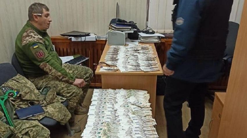 Начальника відділу Міноборони затримано на величезному хабарі! (ФОТО)