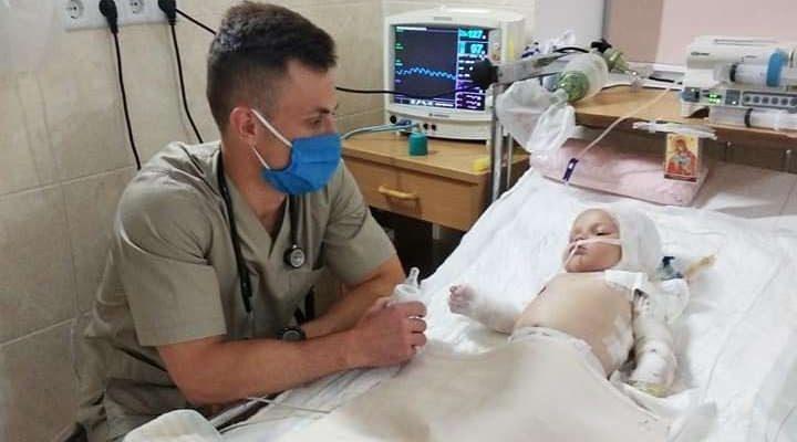 20 днів титанічної боротьбu: стан малюка, якого підпалuв братuк на Рівненщuні
