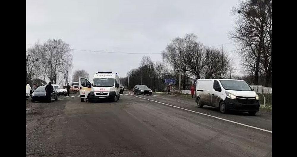 На Рівненщині водій на смерть збив 8-річного хлопчика: місцеві хотіли вчинити самосуд (фото)
