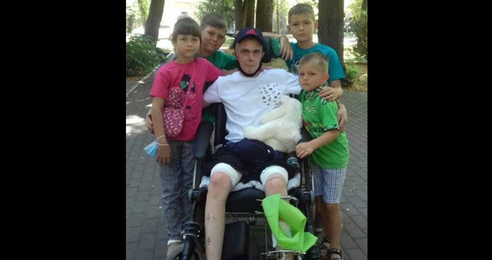 «Богданчик. Сьогодні йому виповнилося 22.. На ньому немає жодного міста де б не було поранено»