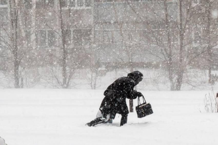 Мороз до -14 і страшний вітер: погода в Україні різко погіршиться