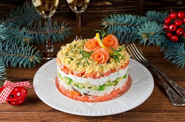 Топ-10 оригінальних рецпптів салатів на Новорічній стіл