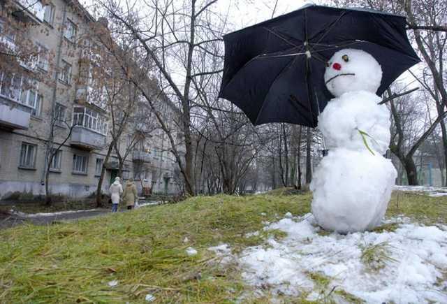 Зимова казка під питанням: синоптики розповіли, якої погоди чекати на Новий рік в Україні