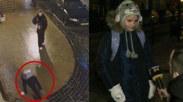 Журналісти знайшли дівчинку з відео на Андріївському узвозі, яка впала 40 раз