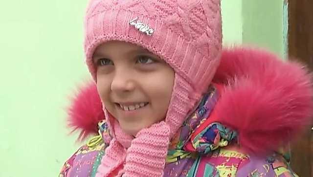 Под Днепром учительница не пустила девочку в класс, где праздновали День св.Николая. Мама не сдала деньги
