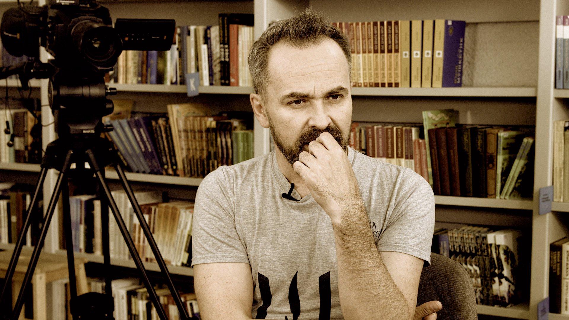 «Почему я должен принять условия, поставленные мне тупыми КВНщиками с мозгами хомяка?» — Андрій Альохін