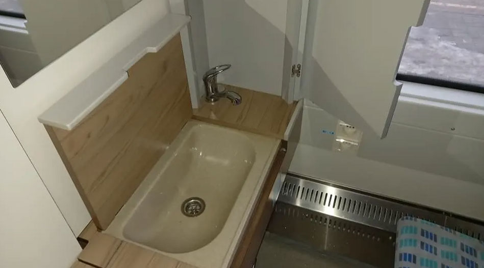 Элитное купе в поезде «Укрзалізниці» с душем и туалетом в поезде «Запорожье-Киев»