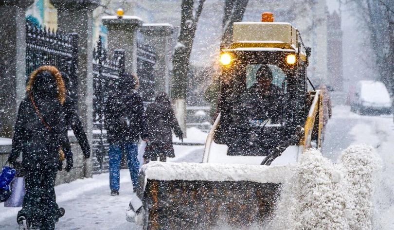 В Киеве ожидают сильный снегопад: столичные дорожники готовятся