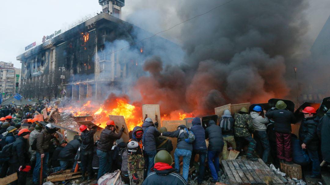 Покерний клуб на тисячу кв. м планують відкрити в Будинку профспілок на Майдані, — «Слідство.Інфо». ВIДЕО