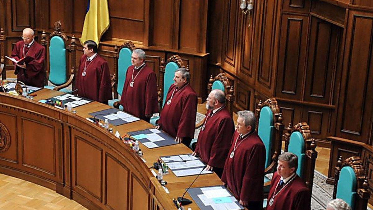 «Их гнать надо всех до одного. Эти бобры в мантиях будут и дальше набивать себе карманы» — Алексей Давиденко