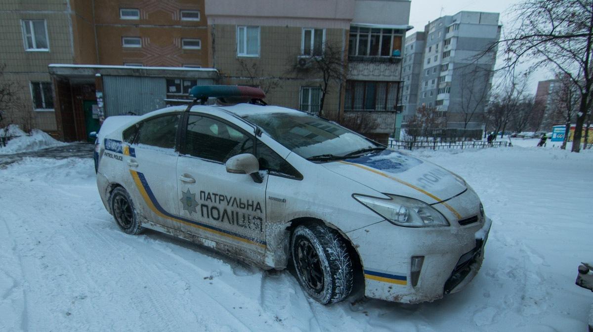 В Киеве еще одна девочка упала с балкона 17-го этажа: это уже третье падение за сутки