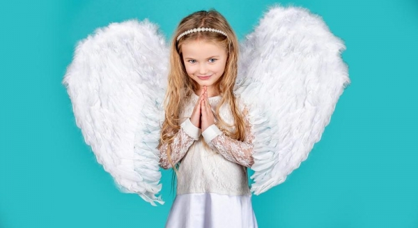 Сьогодні День ангела Оксани: вітання, листівки та СМС до свята (ФОТО)