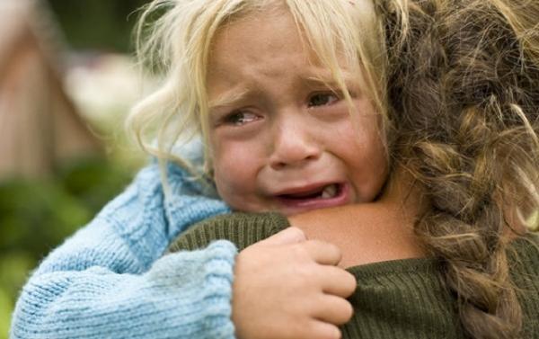 Ножове поранення в грудну клітку: жінка стверджує, що її ранила 2-річна дитина