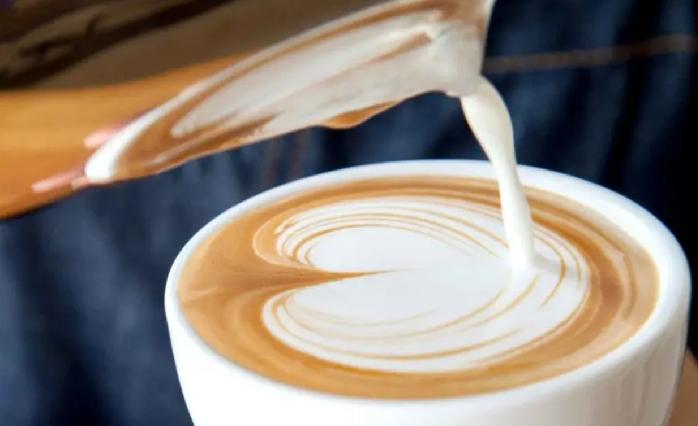 Эксперты рассказали, можно ли кофе с молоком при похудении
