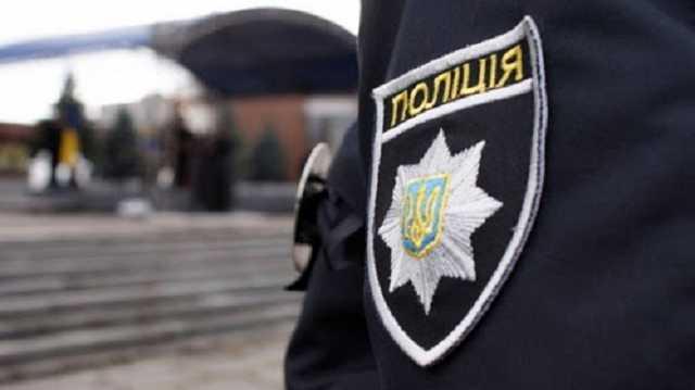 На Луганщине полицейского подозревают в избиении девушки