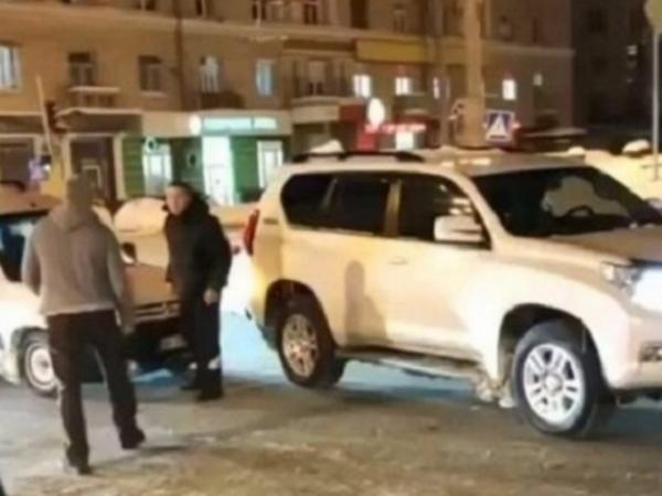 Підрізав на дорозі та ще й «вирубив»: у поліції повідомили перші деталі резонанстного побиття таксиста (ФОТО/ВІДЕО)