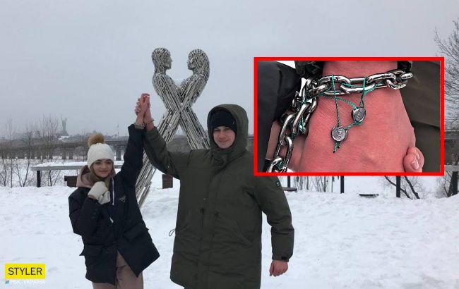Скованные цепью влюбленные из Харькова уже жалуются на серьезные проблемы