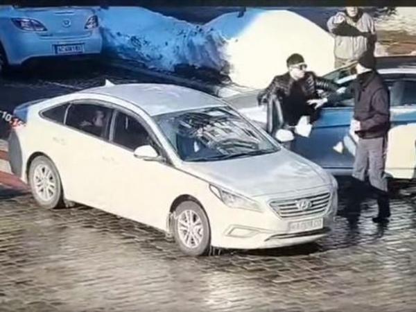 Летальний удар рукою у шию: у Києві ІНОЗЕМЕЦЬ вбuв пішохода (ВІДЕО)