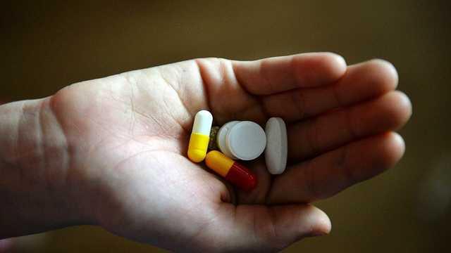 В Сумах 16-летняя девушка выпила 30 таблеток: в каком она состоянии
