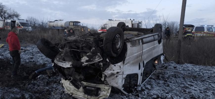 Одяг був вес у крові: На Харківщині у смертельнlй ДТП розбився мікроавтобус з пасажирами