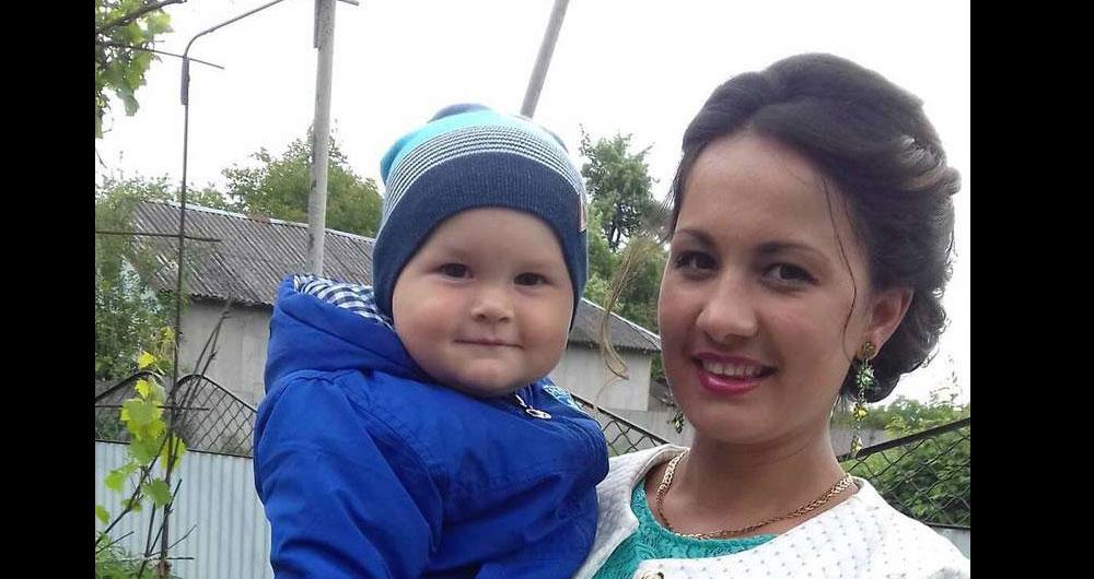 Провалилась сквозь стеклянный пол: в Чехии на заработках трагически погибла молодая украинка