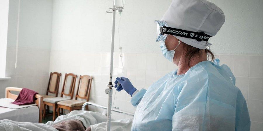 «Постарайтеся не потрапити до лікарні». Лікар дав низку важливих порад тим, хто захворів на COVID-19