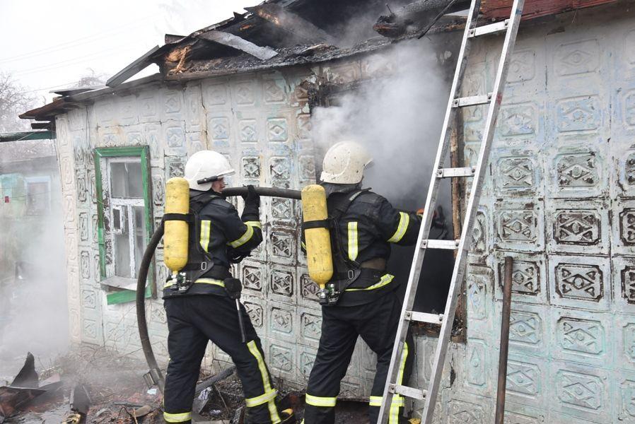Перелякалася і заховалася у кімнаті: у Кропивницькому у вогні загинула 4-річна дівчинка