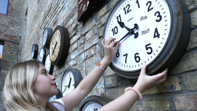 Почему в ЕС до сих пор переводят часы: Реальность и мифы о «европейском времени»