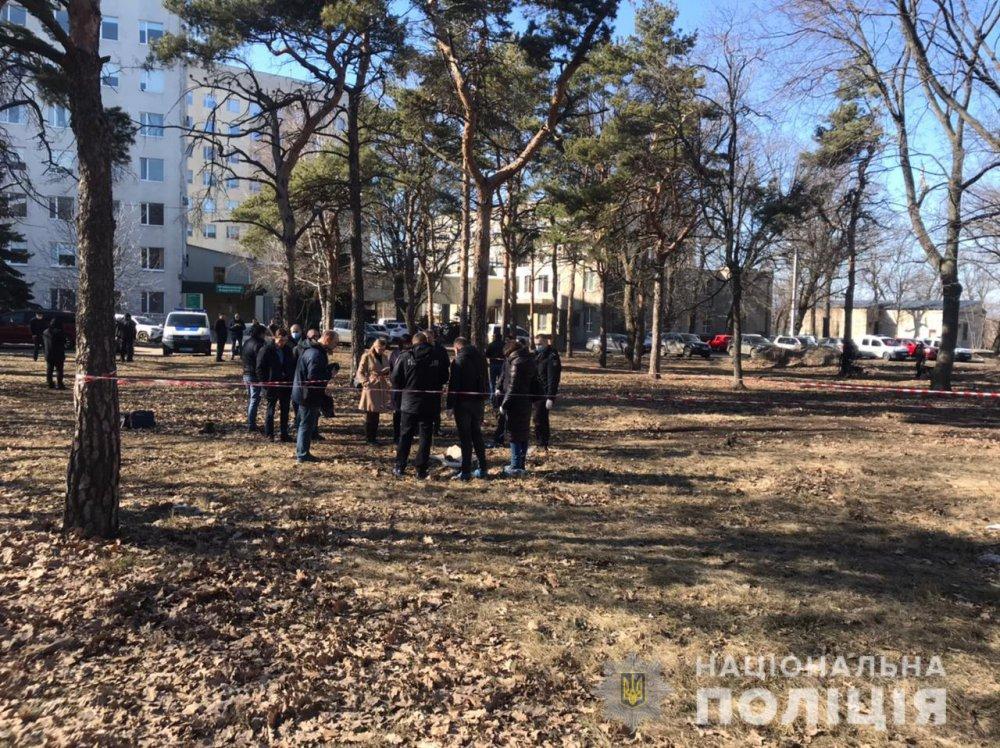 Тіло дитини пролежало кілька місяців: у парку в Харкові перехожі знайшли моторошну знахідку (фото)