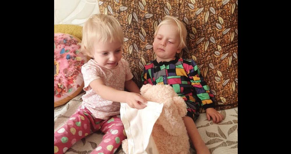 В Запорожье у маленьких девочек за одну неделю умерли оба родителя: нужна помощь