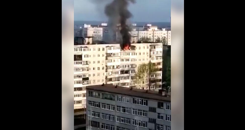 Во время пожара две женщины выпрыгнули с 9 этажа во время пожара. Видео