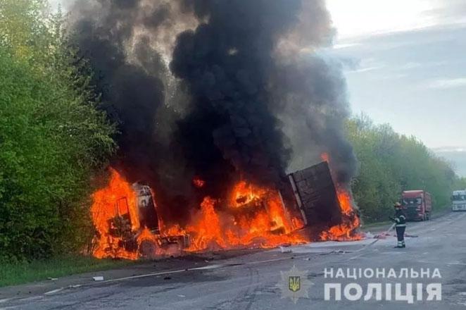 Автотроща у Хмельницькому районі: внаслідок ДТП загинуло четверо людей