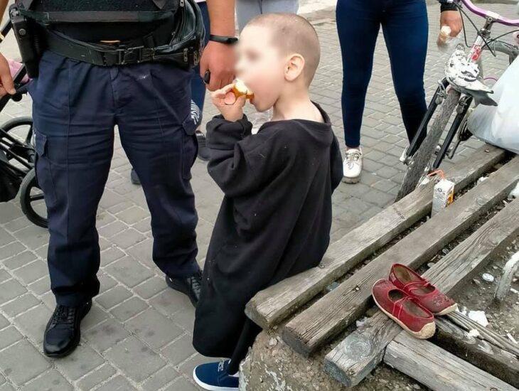 «Родители алкаши»: под Днепром 5-летний мальчик бродит по городу в поисках еды