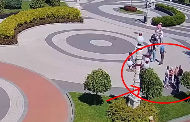В Ирпене мужчина представился детям полицейским и увел их с собой. Видео