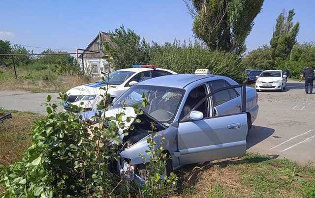 В Запорожской области водитель сломал ноги полицейскому. Видео
