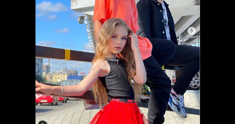 Скандальная 8-летняя блогер из Ирпеня крутит новый «фотороман» в соцсети