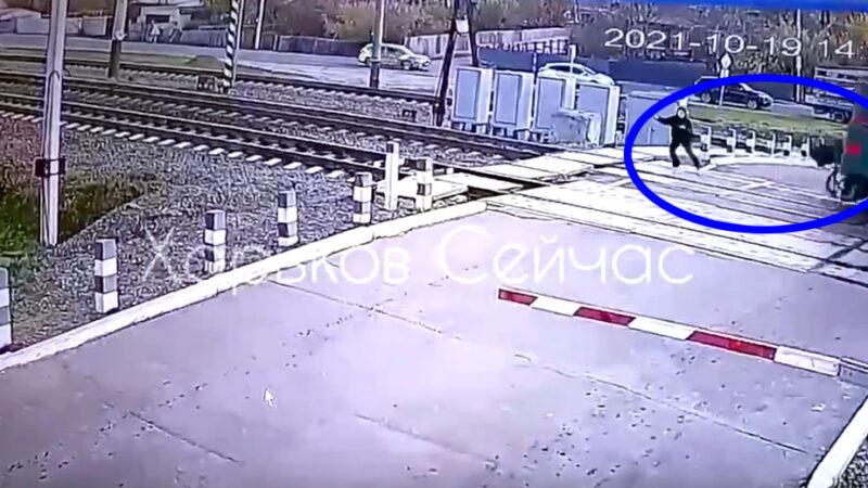 Шла в наушниках. Видео. Под Харьковом поезд насмерть сбил девушку